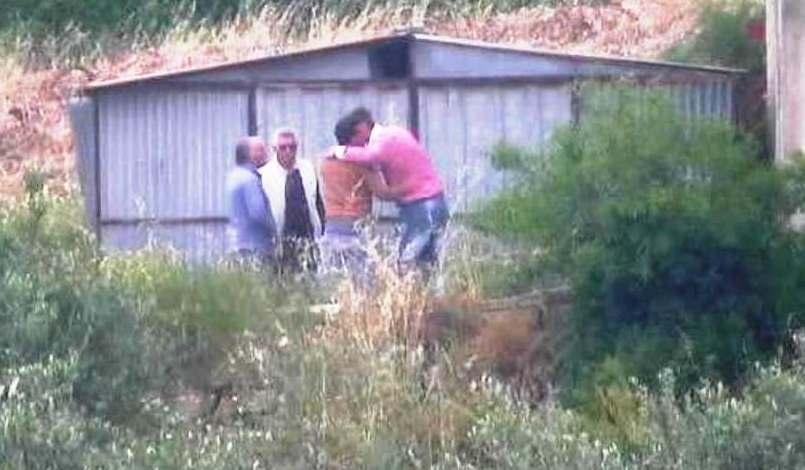 Leo Sutera con Antonino Abate, Pietro Campo i baci di saluto